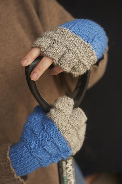 The Nature Of Errata Edwardian Flags Fingerless Gloves Pattern